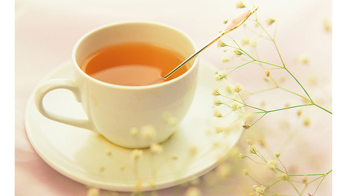 Làm sạch đường ruột với nước mật ong