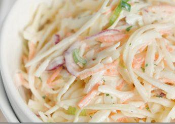 làm salad bắp cải