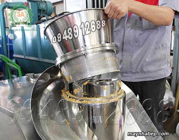 Tháo và vệ sinh Máy tạo hạt nêm 3A7,5Kw