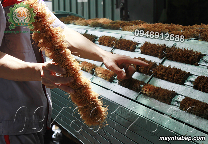 Bộ phận nắp sơ dừa của Máy rửa củ quả nông sản bằng xơ dừa 3A3Kw