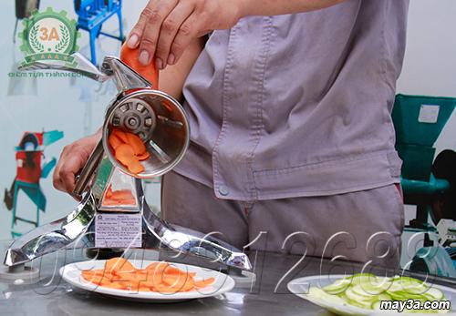 Cà rốt được thái nhỏ đều đẹp từ Dụng cụ thái rau củ quả 3A