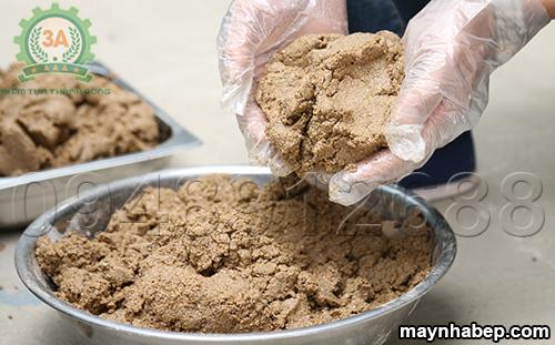 Nguyên liệu đầu ra của Máy trộn bột ướt thảo dược 3A