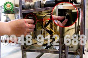 Nút điều chỉnh tốc độ dao cắt máy cắt bánh quẩy 3A